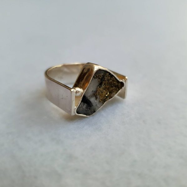 Schiefer-Pyrit Ring