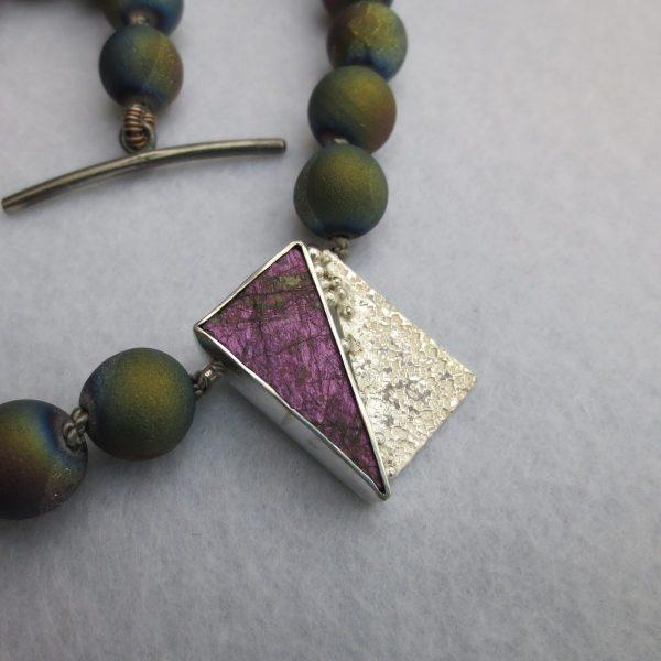 geknüpfte Regenbogenachatkristall -Kette mit Sterlingsilberteilen ,Sterlingsilber Purpurit