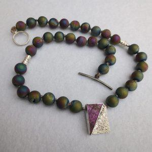 Regenbogenachatkristallkette geknüpft mit Sterlingsilberpurpurit-Zwischenteil